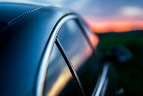 איך לבצע השחרת חלונות לרכב באשדוד בלי לעבור על החוק?